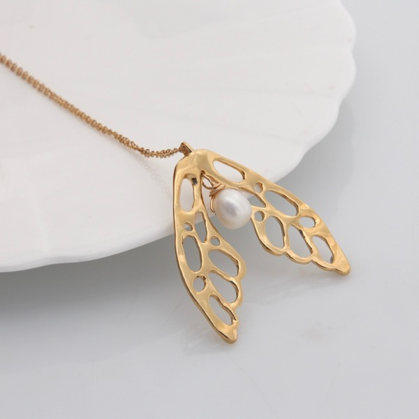 9ct GoldWing Necklace