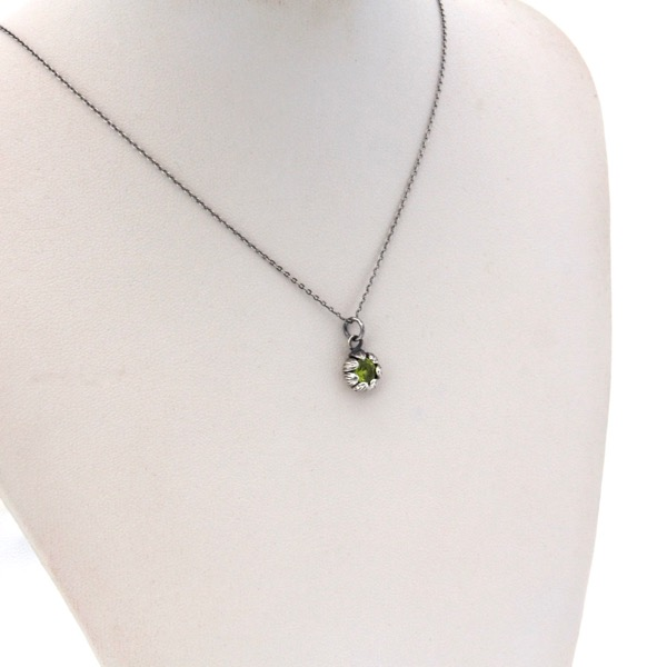 Mini Chrysanthemum Necklace
