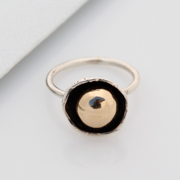 Cap Ring with Gold Pebble