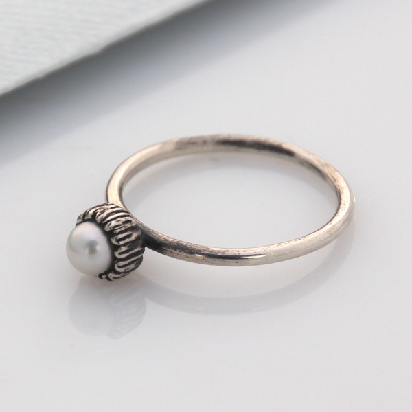Small Textured Cap Ring - White