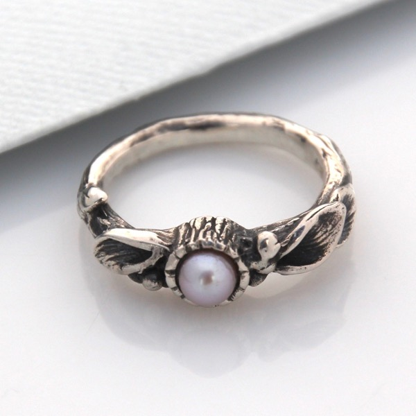 Floral Solitaire with Freshwater Pearl