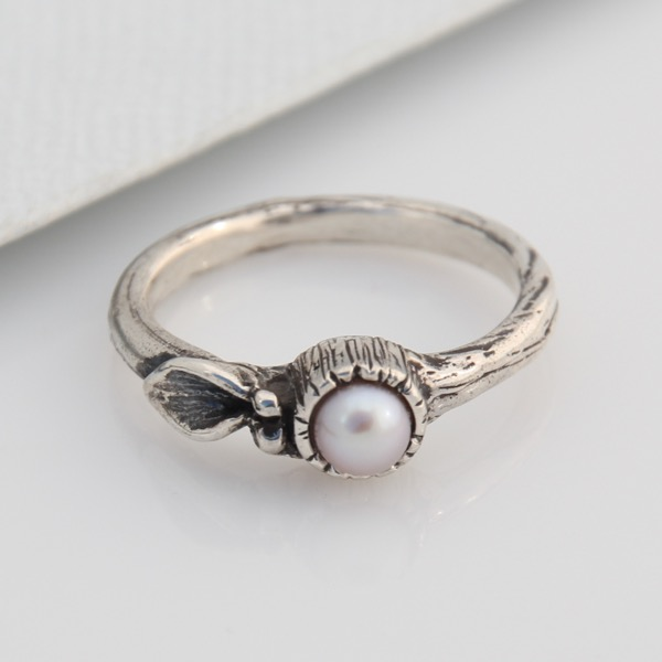 Mini Floral Solitaire with Freshwater Pearl