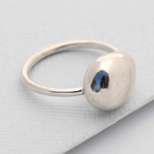 Single Pebble Ring
