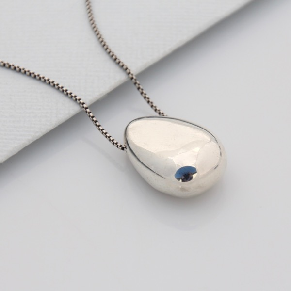 Pebble Diffuser Necklace