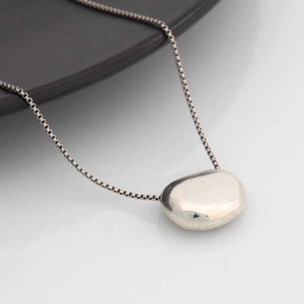 Flat Pebble Necklace